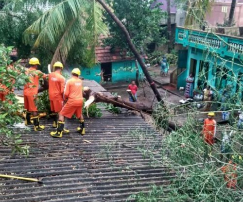 Cyclone Vardah kills at least 10 in India's Chennai city