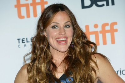 Jennifer Garner says she did not 'participate in or authorize' People's cover story
