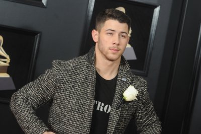 Nick Jonas spotted kissing Annalisa Azaredo in Australia