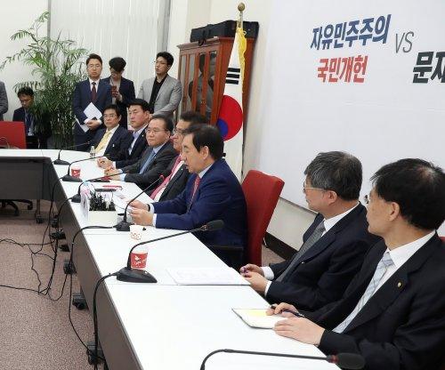 South Korean lawmakers to battle over constitutional reform