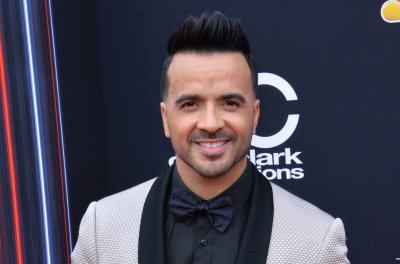Luis Fonsi, Rosalia to perform at 2019 Latin Grammys
