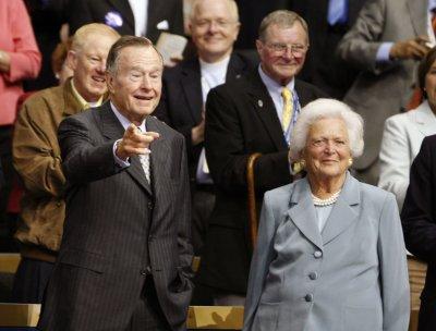 Barbara Bush still in hospital, thanks Obama, Clinton