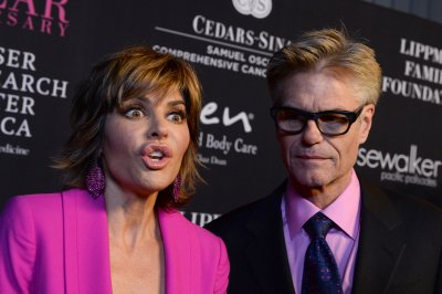 Harry Hamlin apologizes for swastika on Sid Vicious costume