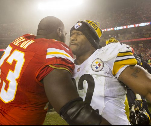 Pittsburgh Steelers LB James Harrison plans to play