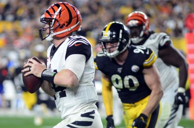 Bengals open to keeping QB Andy Dalton
