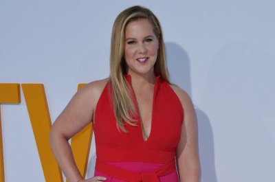 Amy Schumer says she has Lyme disease