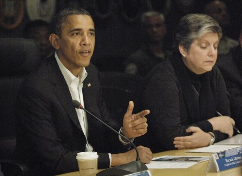 Obama, Romney battle for handful of states