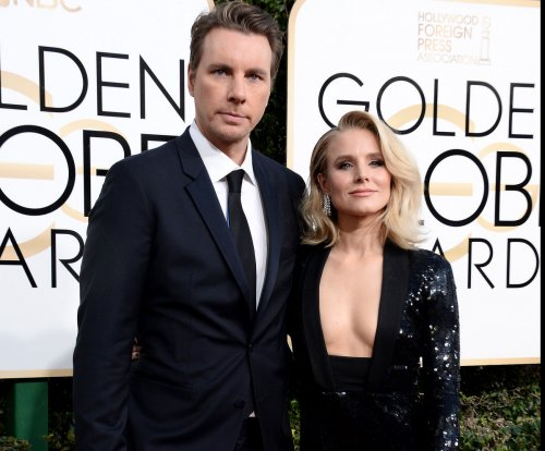 Kristen Bell, Dax Shepard choose Settlers of Catan over Golden Globes after party