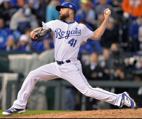 Kansas City Royals' Danny Duffy out 6-8 weeks with oblique injury