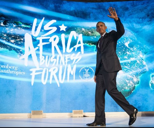 Obama visits Kenya en route to South Africa for Mandela centenary