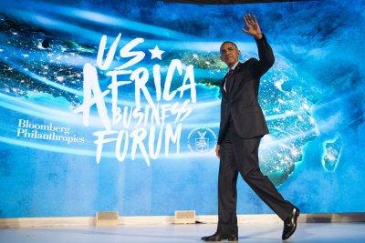 Obama visits Kenya en route to South Africa for Mandela centenary