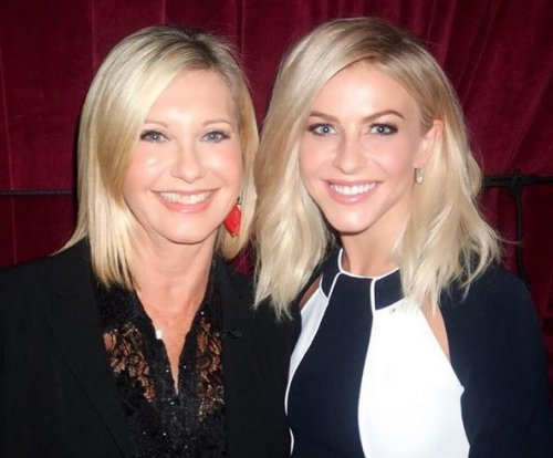 Julianne Hough meets Olivia Newton-John ahead of 'Grease: Live'