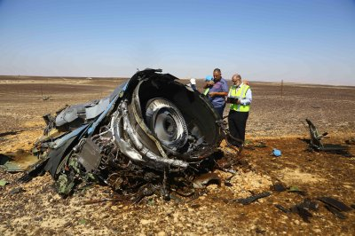 Officials deny claims Islamic State brought down Russian passenger aircraft