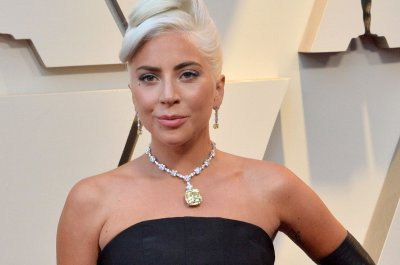 Lady Gaga, Bradley Cooper, Queen rock the Oscars