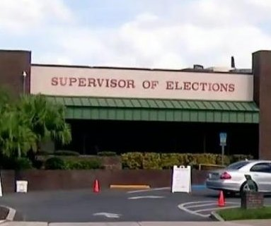 Woman in labor stops to vote in Florida on way to hospital