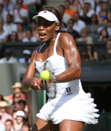 V. Williams cruises to Wimbledon 3rd round