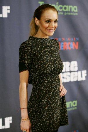 Lindsay Lohan back in U.S., faces hearing