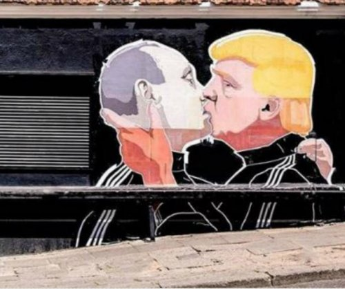 Donald Trump kisses Vladimir Putin on Lithuanian restaurant wall