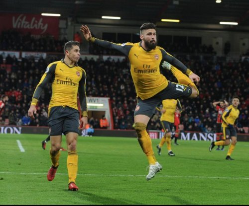 Watch: Olivier Giroud scores on ridiculous scorpion kick for Arsenal