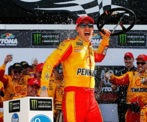 Logano steals win on final lap of Clash at Daytona