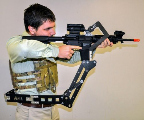 U.S. Army studies 'third arm' device for soldiers