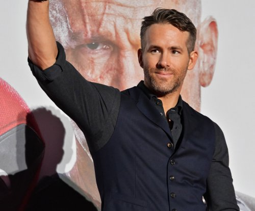 Ryan Reynolds releases behind-the-scenes photo for 'Detective Pikachu'