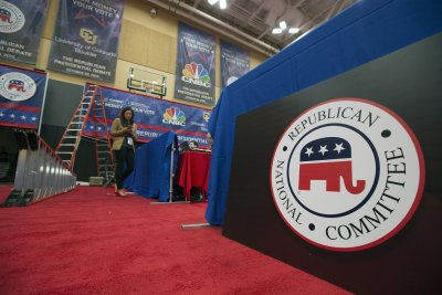 Republicans announce record haul; Obama helps Dems'