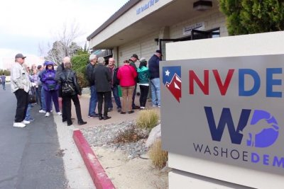 11,800 turn out for early voting in Nevada caucus