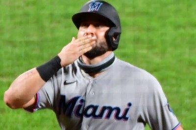 Marlins allow 7 home runs, still beat Blue Jays