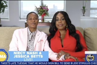 Niecy Nash says love for Jessica Betts 'has nothing to do with gender'