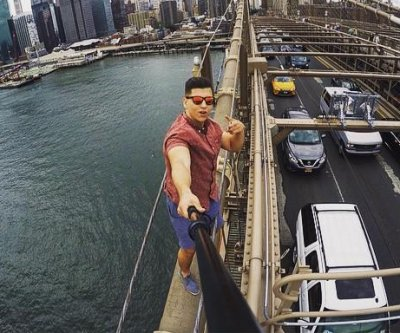 Tourist's Brooklyn Bridge climb selfie sparks security questions