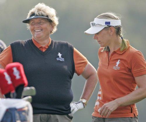 Davies, O'Meara enter World Golf Hall of Fame