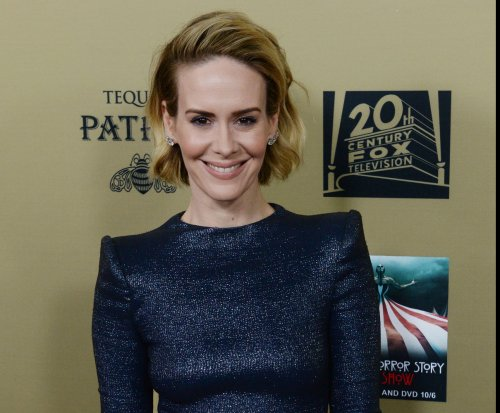 Sarah Paulson and Holland Taylor are dating, reports say
