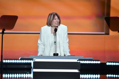 Benghazi victim's mother offers emotional criticism of Hillary Clinton at RNC