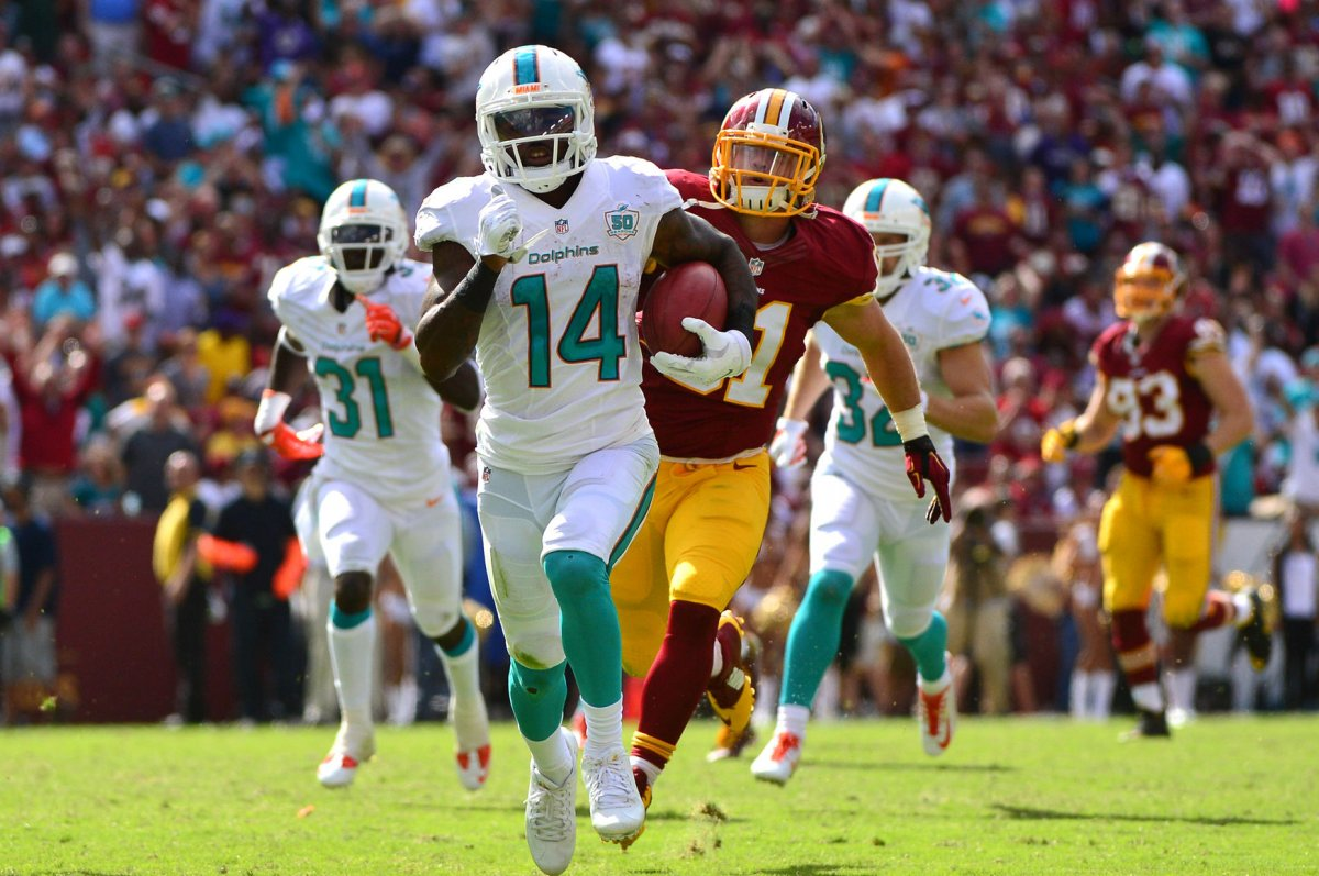 Miami Dolphins WR Jarvis Landry dealing with ailing shoulder UPI