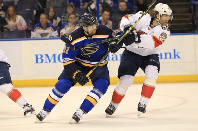 St. Louis Blues re-sign Patrik Berglund to 5-year, $19.25M deal
