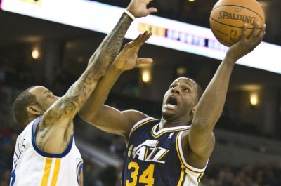Toronto Raptors make it official, sign veteran C.J. Miles