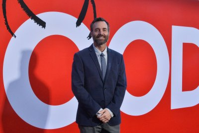Will Forte spoofs home renovation shows on 'Flipped'