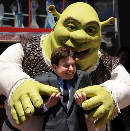 Mike Myers to make feature film directorial debut