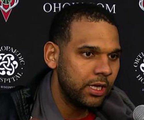 Milwaukee Bucks use strong first half to down Philadelphia 76ers