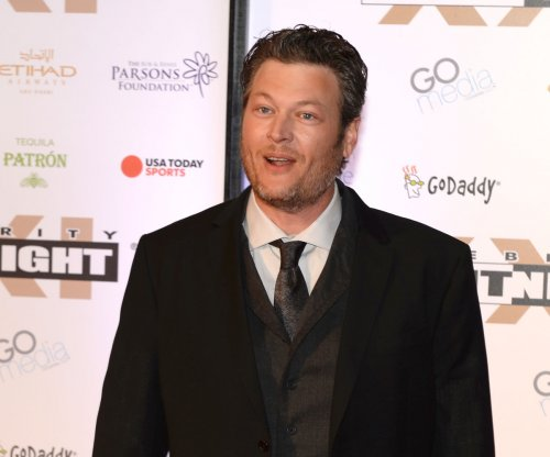 Blake Shelton cuts post-divorce concert short due to lightning