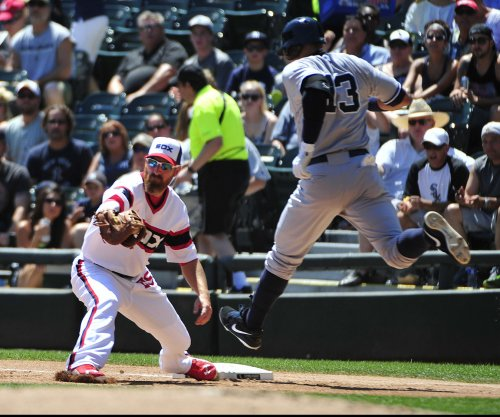 Chicago White Sox DH Adam LaRoche intends to retire