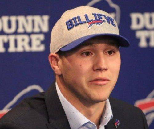 "Bills' Lorenzo Alexander: Josh Allen needs ""good answer"" on tweets"
