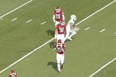 North Texas pulls off fake fair catch on punt return for TD