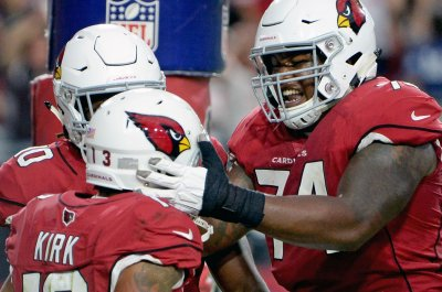 Cardinals sign T Barksdale, place T Humphries on IR