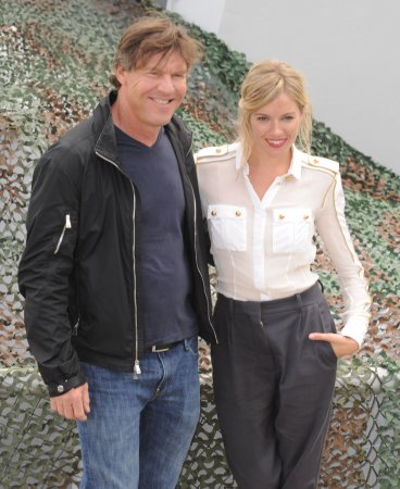 Dennis Quaid's wife withdraws divorce docs