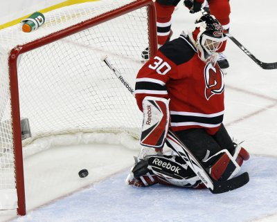 NHL: New Jersey 2, Montreal 1