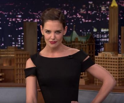 "Katie Holmes dances like Beyoncé, plays Musical Beers on ""The Tonight Show'"