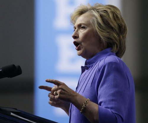 Clinton unveils plans to address mental illness in U.S.