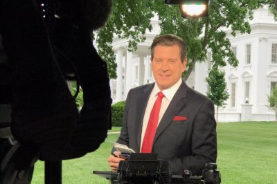 Fox News suspends Eric Bolling amid sexual harassment allegations